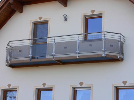 balkon edelstahl holz gel nder f r au en. Black Bedroom Furniture Sets. Home Design Ideas